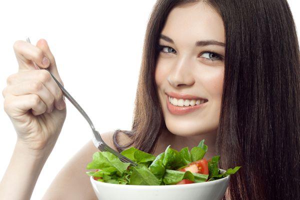 É cuidado de dentro para fora do seu cabelo, unhas e pele como um todo. Inegavelmente comer os alimentos certos numa dieta saudável e disciplinada visando melhorar a saúde é o melhor caminho a percorrer!