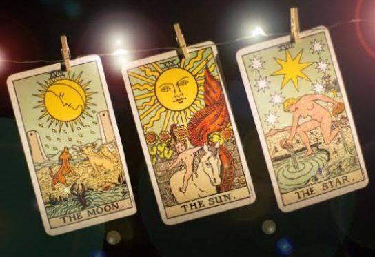 Aprimore Conhecimento Do Tarot Astrológico De Aquário: A Estrela